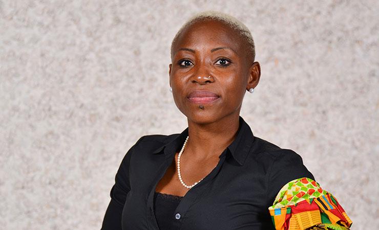 Portrait de Régine Komokoli-Nakoafio