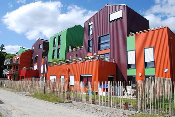 Collectif d'immeubles colorés