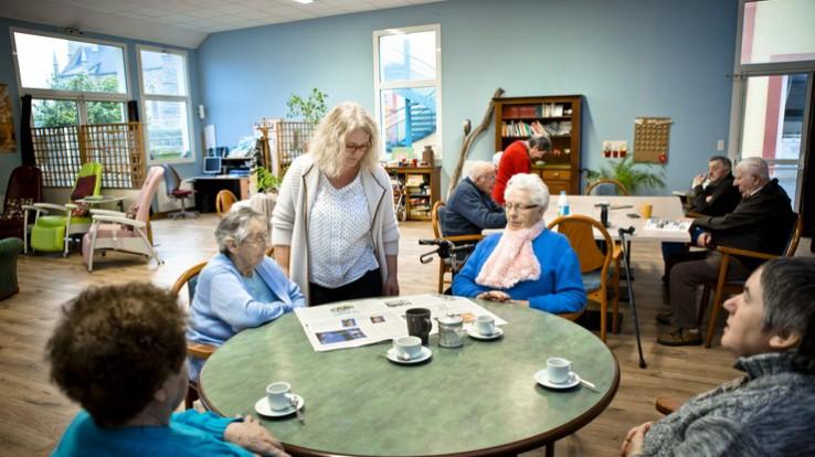 Personnes âgées, Bénéficier de l'accueil de jour