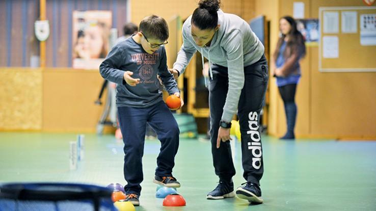Développer la confiance en soi grâce à des ateliers sportifs adaptés. @Franck Hamon