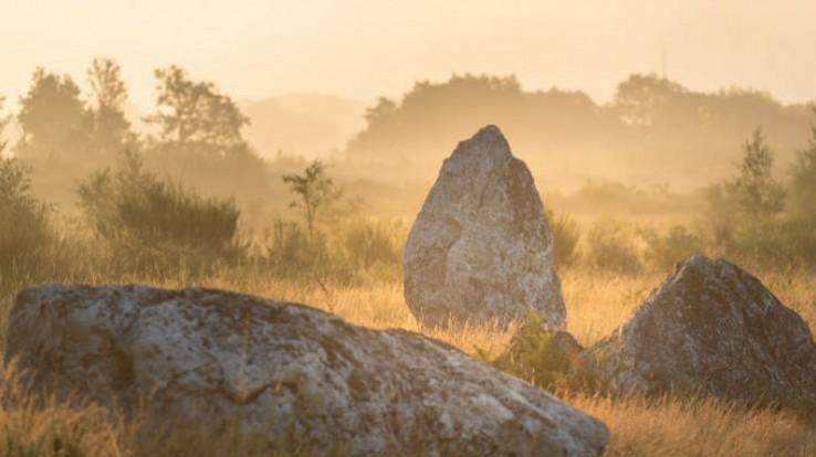mégalithes et landes de Saint-Just