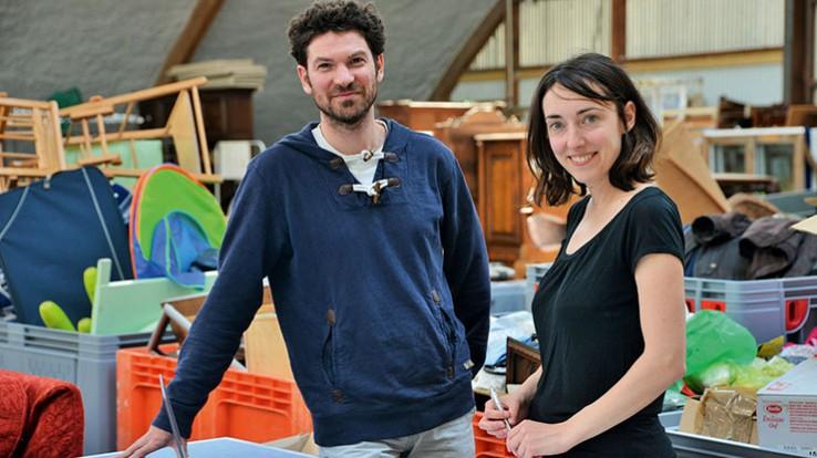 Gwendal Briand et Amandine Piron de Colporterre, à la recyclerie de Redon. © Franck Hamon