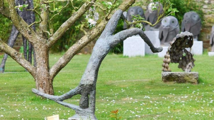 Sculptures dans le jardin du musée Manoli