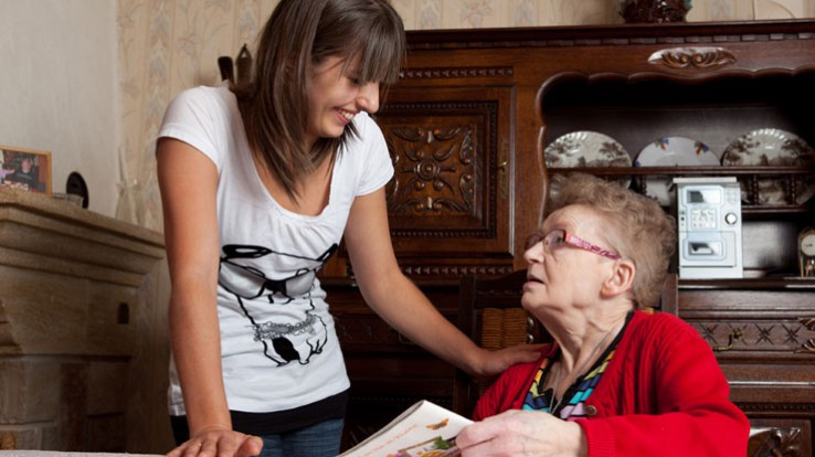 personne âgée aide