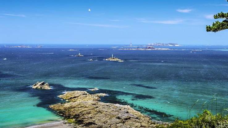 Vue sur la mer à Saint-Lunaire