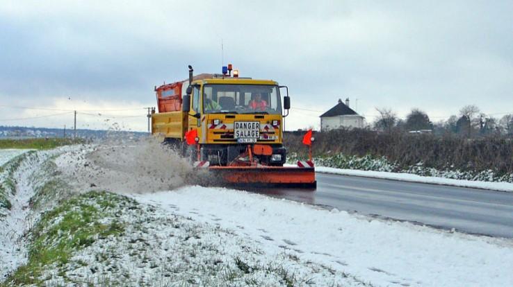De novembre à mars, le service hivernal du Département est en alerte pour s'assurer que les routes restent praticables