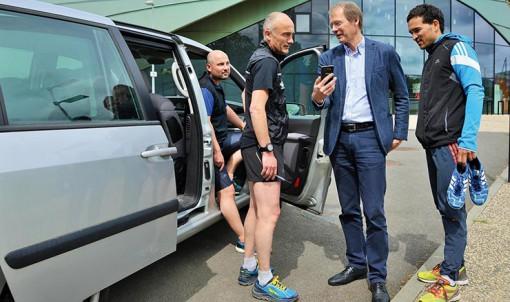 Bertrand Testot (au centre), à l'origine de l'appli qui permet aux sportifs de covoiturer. © Franck Hamon