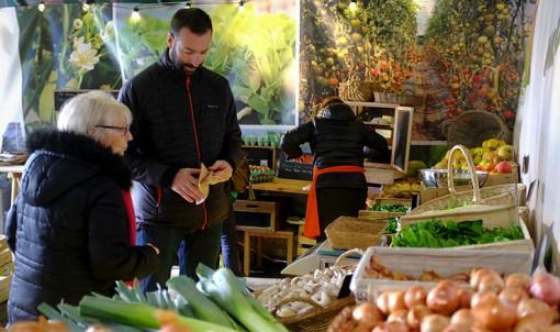 Claire et Régis, de la ferme du coin à Tréméreuc ont été les premiers producteurs à rejoindre la plateforme de Dol – Saint-Malo. © Bruno Saussier