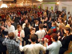 Image : l'acrobate aérien Romain Cabon