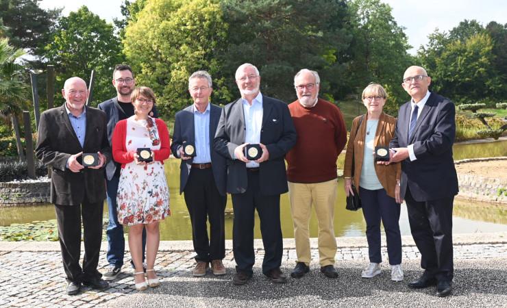 Les 5 lauréats des médailles citoyennes du Département © T. Crabot