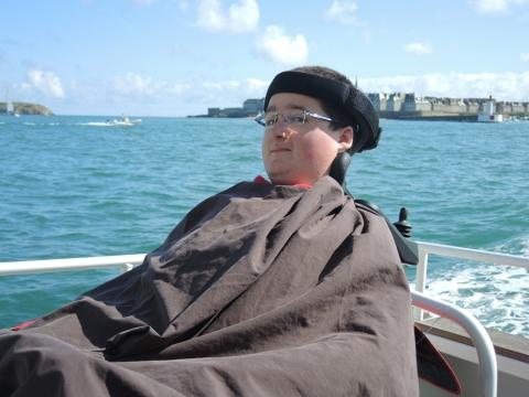 Pierre-Marin, bientôt 16 ans, en est à son septième embarquement sur le catamaran. « La première fois c'était pour mes 13 ans, je ne m'en lasse pas. D'ailleurs je reviens dans un mois pour souffler mes bougies. »