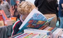 enfant lisant BD