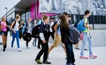 Jeunes à la sortie du collège
