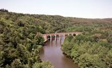 La vallée de Corbinières et son viaduc ferroviaire à Guipry-Messac