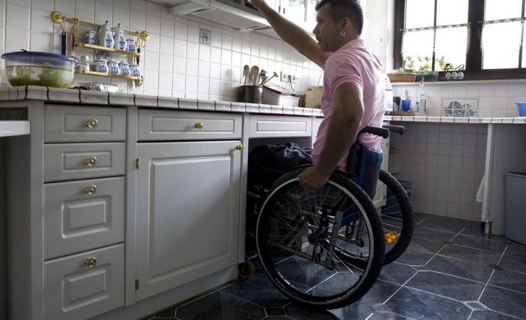 Handicap, Vie à domicile