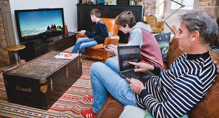 Le Département d'Ille-et-Vilaine privilégie la fibre optique pour développer le réseau très haut débit au profit du plus grand nombre © J. Sevrette